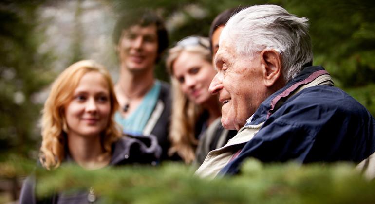 Aktiviteter och sociala mötesplatser för dig som är äldre Information